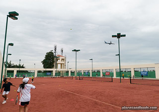 eastin thana city resort clay tennis court | by placesandfoods.com