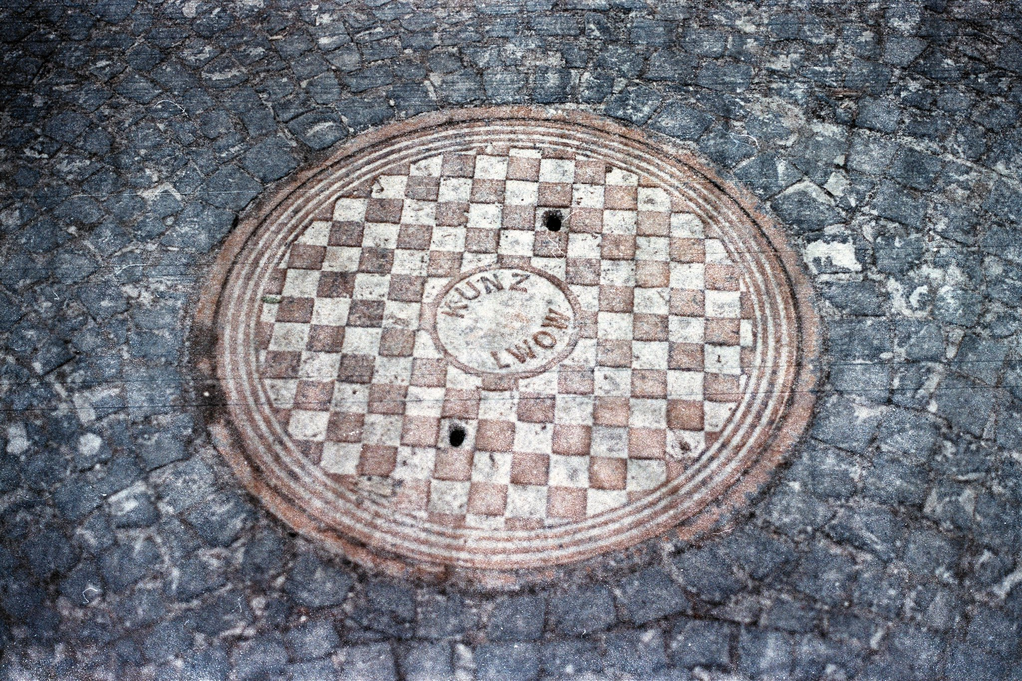Kunz Lwów - one of my favourite manholes