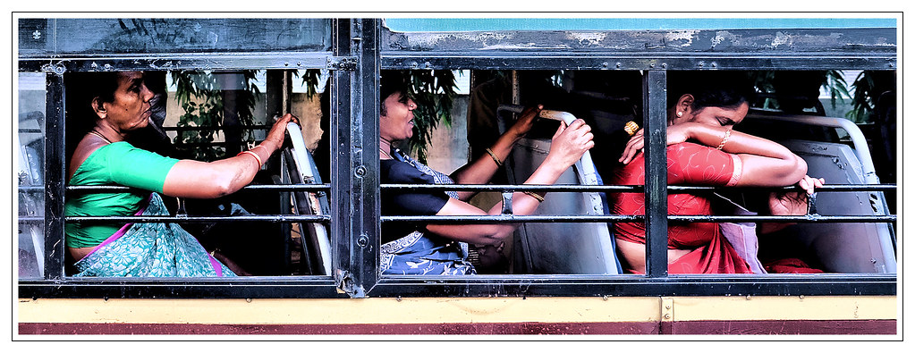 Indien / India - Damen im Bus / Ladies on a bus | Johann