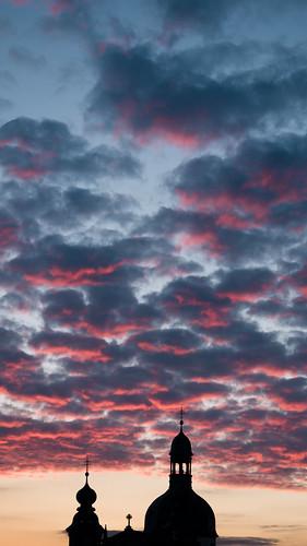 almostfuji jesuitenkirchemannheim himmel sky red sunset sonnenuntergang germany olympus omd classicchrome kodachrome chromecameraprofile filmsimulation 1240 f28 169 bookmark wallpaper mlarsk