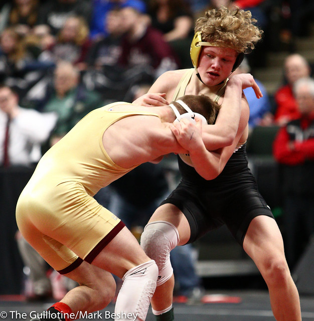 138 - Semifinal - Drew Woodley (Northfield) 50-2 won by decision over Hunter Lyden (East Ridge) 51-4 (Dec 5-2) - 190302amk0082