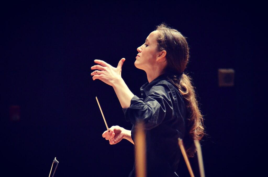 Jessica Cottis © Timothy Jeffes and Sydney Symphony