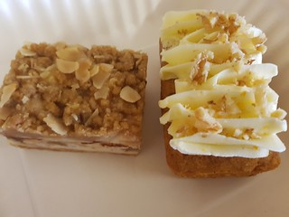 Apple Crumble Cheesecake and Carrot Cake by Little Vegan Co from The Cat Cuffle Cafe