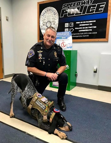 Dixie the Praying Dog visits SPD