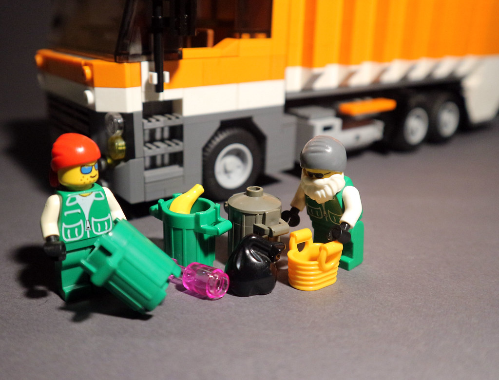 Moc Recycle Garbage Truck Get The Inspiration To Build Thi Flickr