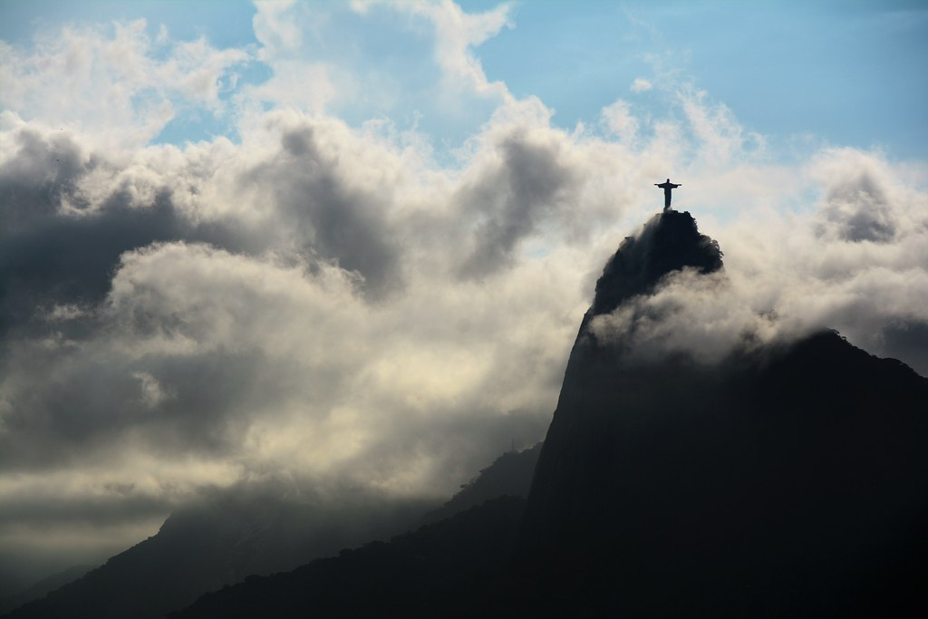 O Cristo Redentor with Clouds