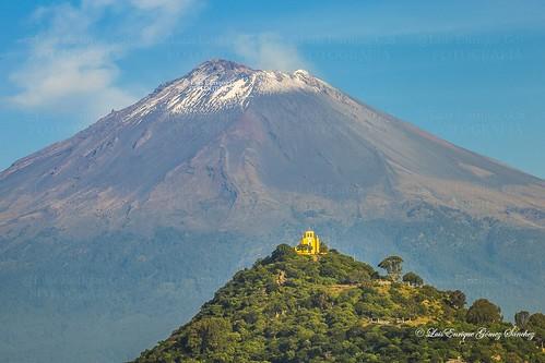 Ermita a San Miguel Arcángel y Popocatépetl - Atlixco - Puebla - México