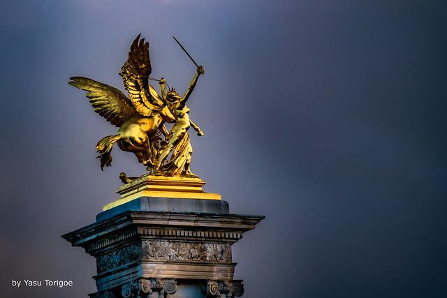 Golden Statues of the Pont Alexandre III Bridge, Paris, France -46a