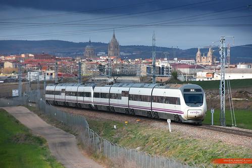 120s saliendo de Salamanca   by trenSalamanca