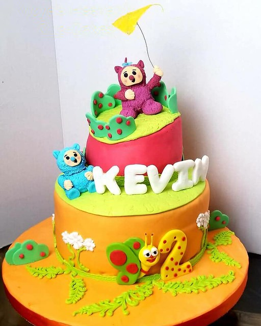 Cake by Yoya's Heavenly Cup-Cakes