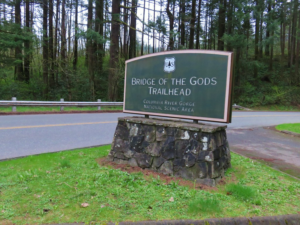 Bridge of the Gods Trailhead