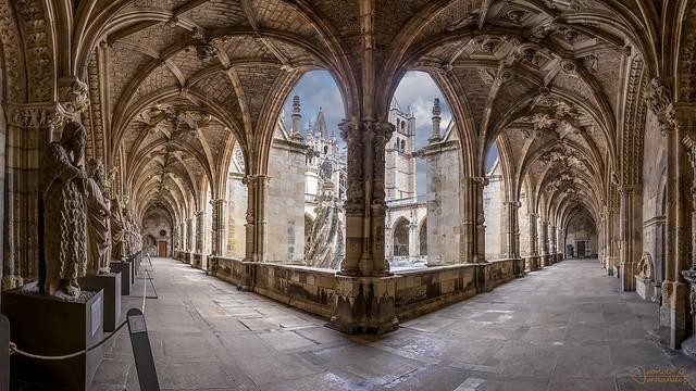 Claustro catedral de Leon