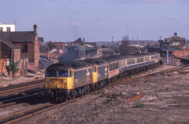 47652+47665 At Taunton. 21/02/1989.