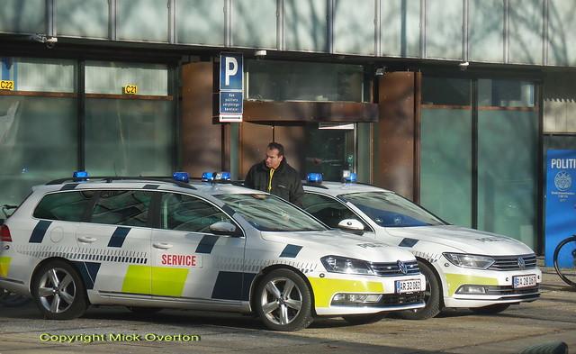 Copenhagen Police VW Passat patrolcar AR32082 returns from servicing