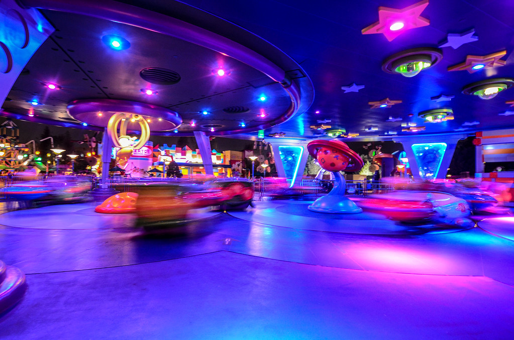 Alien Swirling Saucers in motion DHS