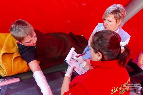 Záchranné sbory nacvičovaly záchranu dětí z hořící školy v Dětřichově   by freedlantsko.eu