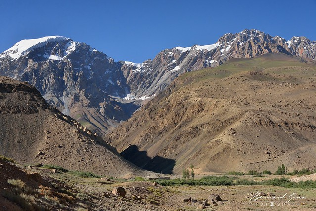 Barrière de montagnes au sud, Zood Khun, Vallée Chapursan © Bernard Grua