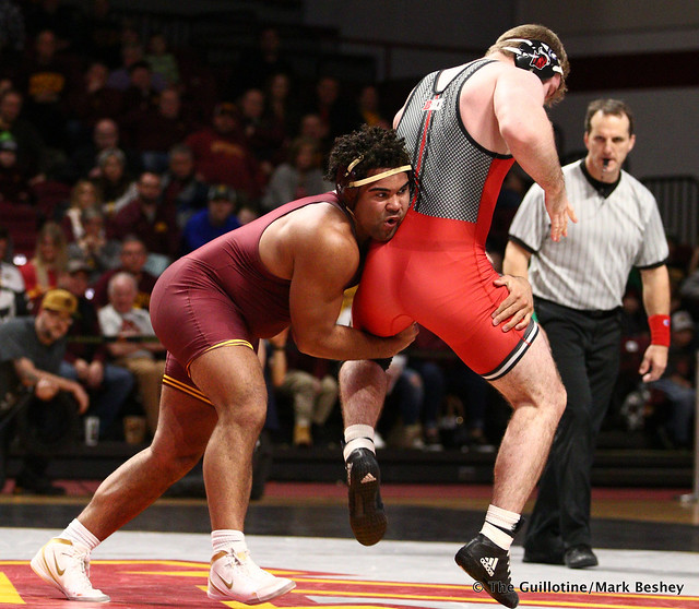 285 #2 Gable Steveson (Minnesota) tech fall Christian Colucci (Rutgers) 17-2. 190106AMK0137