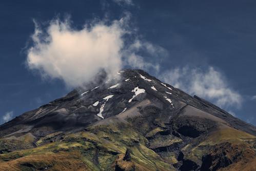 egmontnationalpark landscape mountain mountainlandscape mountainpeak mountains mtegmont mttaranaki nature newzealand northisland snow taranaki volcano mountainscape nz