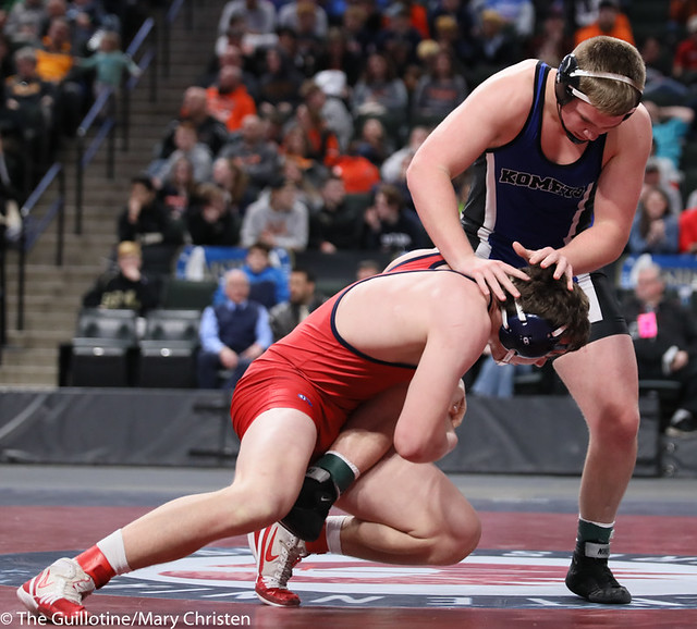 220AA 1st Place Match - Danny Striggow (Orono) 50-2 won by major decision over Garsen Schorr (Kasson-Mantorville) 40-4 (MD 16-5) - 190302BMC5146
