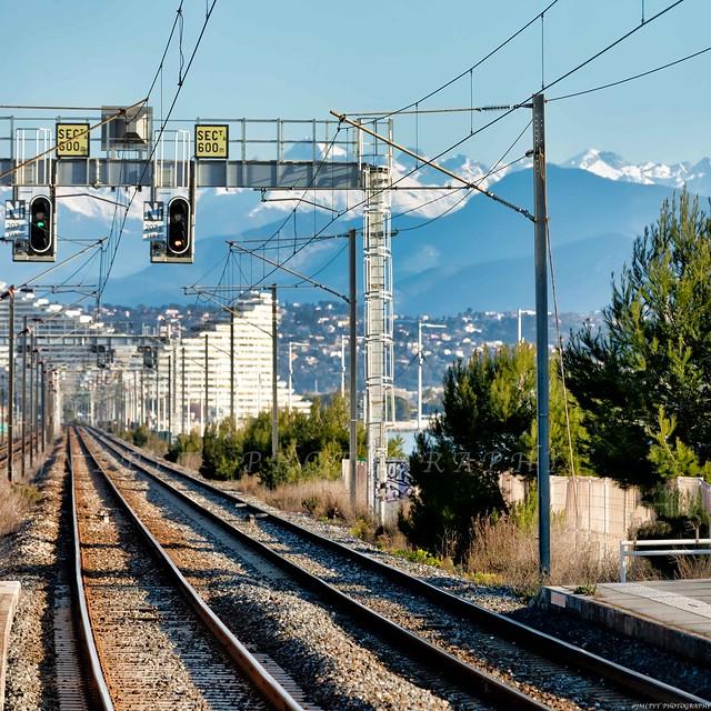 Villeneuve-Loubet vue depuis la gare SNCF de Biot -3D0A4519