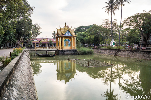Reflet au Wat Po Veal