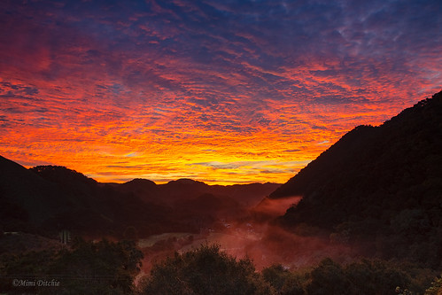 clouds dawn morning mountains sky sunrise fog landscape silhouettes seecanyon mimiditchie mimiditchiephotography getty gettyimages