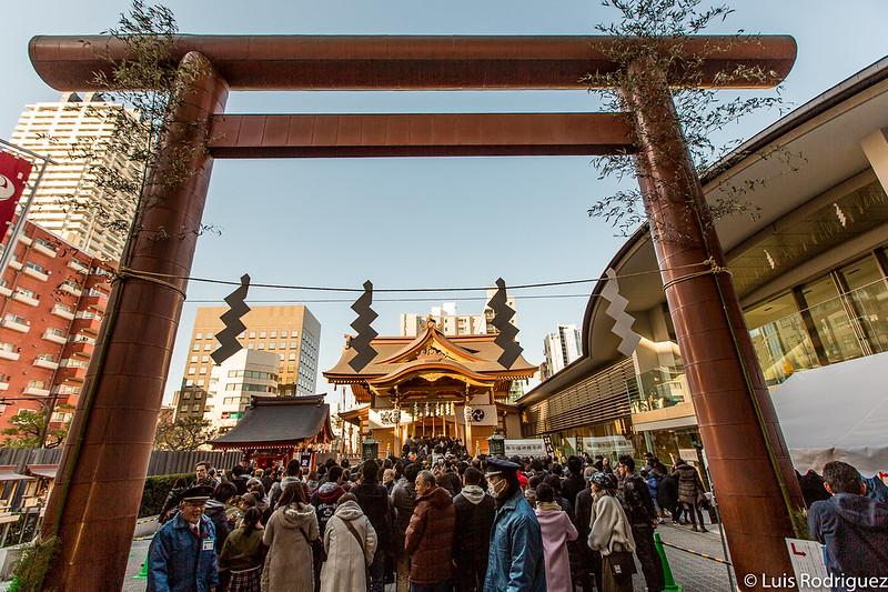 Santuario Suitengu lleno de gente en Año Nuevo (por el hatsumode)