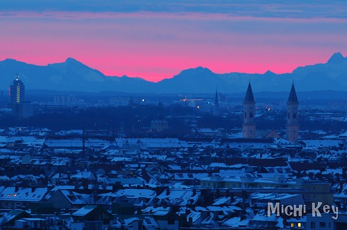 sunrise sonnenaufgang morgenrot city stadt mountains berge alpen münchen munich