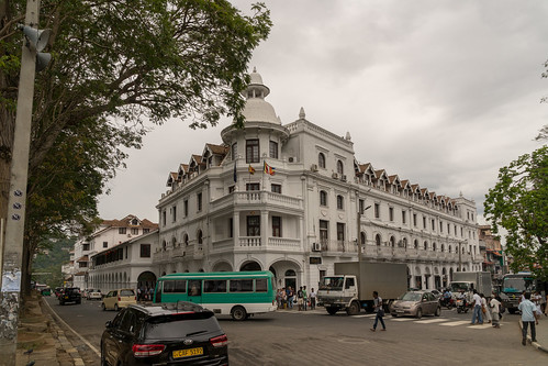 Queen's Hotel | by seghal1