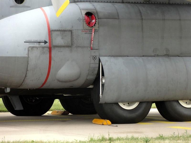Lockheed C-130H Hercules 3