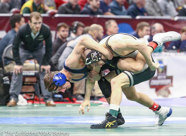 125 Champ. Round 1 - Luke Welch (Purdue) 30-9 won by decision over Connor Brown (South Dakota State) 25-15 (Dec 10-5) - 180315amk0049