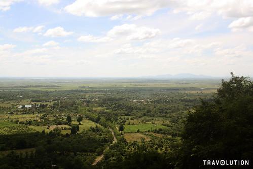 cambodia phnom santuk mountain lower viewpoint lookout nature plains holy pilgrims kampong thom cliff tuktuk travel