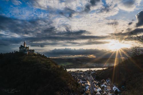 sonyilce7rm3 ilce7rm3 sony fe2470mmf4zaoss f22 f220 24mm marksburg rheinsteig rheinlandpfalz outdoor nature natur sonnenuntergang sunset braubach landscape thilokaiserphotography