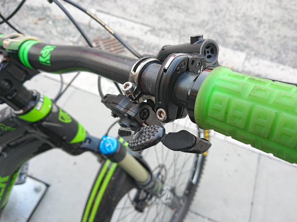 SL-M9000-R & Shimano M6000 brakes_1546edit