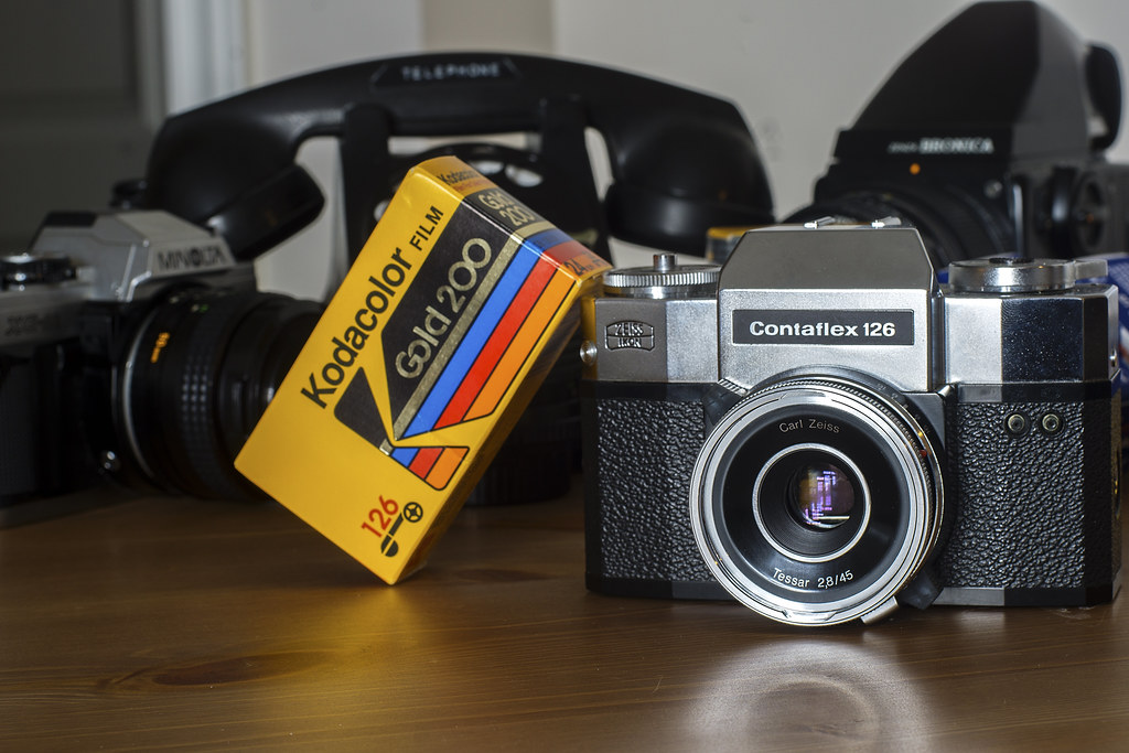 CCR Review 91 - Zeiss Ikon Contaflex 126 | A rather odd depa