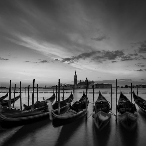sonnenaufgang venedig wolken sunrise italy venice venezia italien gondola gondel sangiorgiomaggiore clouds blackandwhite schwarzweis