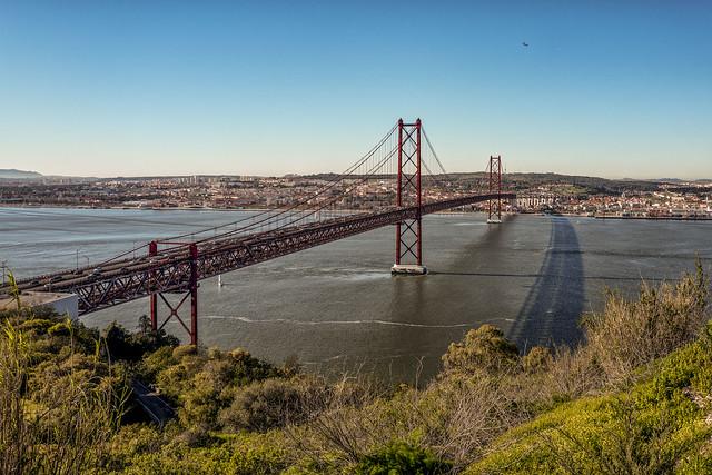 Portugal, Lissabon (Lisbon, Lisboa), Brücke über dem Tejo  (Bridge over the Tejo)