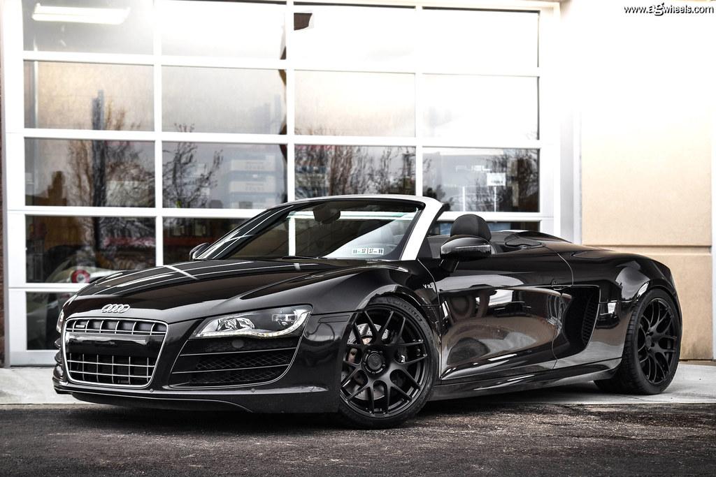 Audi R8 V10 Spyder - Matte Black M610