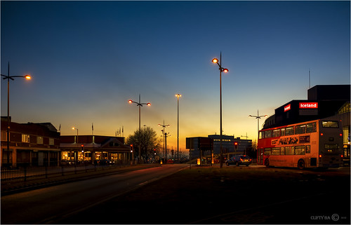 sundown sunset dudley kingstreet westmidlands worcestershire streetscene bus lamppost