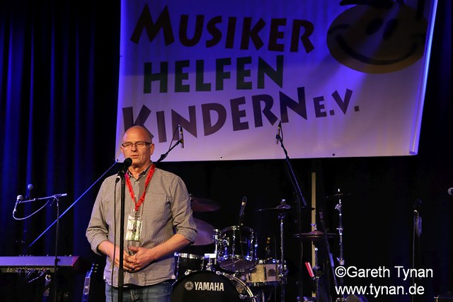 s180407_9336+_BKSDA_MusikerHelfenKinder_Intro