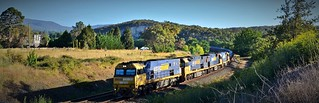NR102+9305+93xx+NR73 roll into Goulburn with #2WM2 Port Kembla to Melbourne steel service (2) | by Amateur-Hour Photography