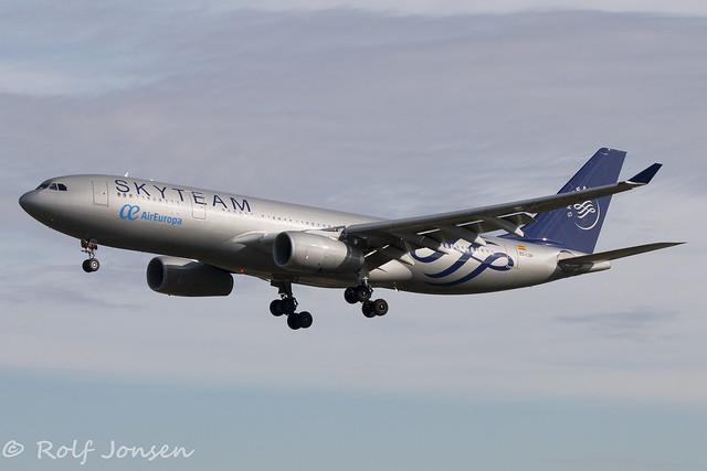 EC-LQP Airbus A330-200 Air Europa Barcelona airport LEBL 16.03-18