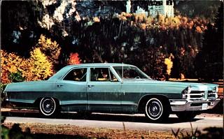 1965 Pontiac Laurentian Sedan (Canada)