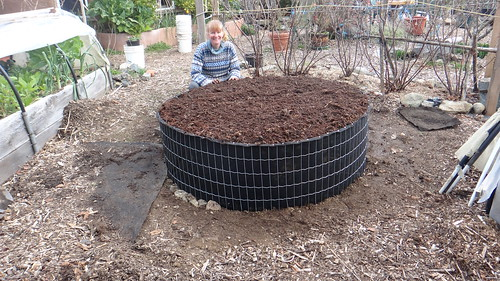 The quick raised garden bed | by Eco-Sense Living