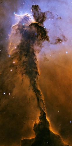 050425_hubble_nebula_02