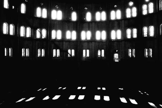 an empty room 3