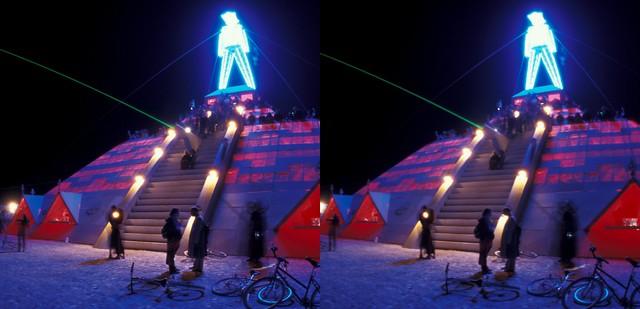 The Man - Burning Man 2003  (3D Cross-View)