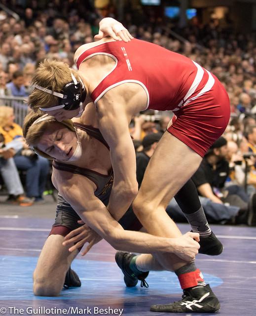 165 Cons. Round 4 - Evan Wick (Wisconsin) 27-7 won by fall over Nicholas Wanzek (Minnesota) 25-12 (Fall 3:17) - 180316bmk0401