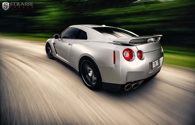 Strasse Forged Nissan GTR - Explored!
